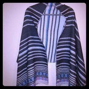 Accessories - NWOT Reverse Blanket Scarf